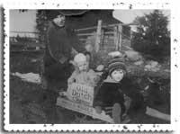Circa-1929-Betty,-Marjori-t